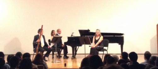 El trío de piano y aliento deleitó al público con partituras románticas y modernas.