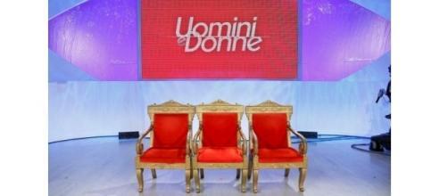 Gossip Uomini e donne: sarà il pubblico a scegliere chi salirà sul trono?