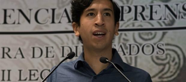 Kumamoto presenta su plan para quitar 2 mil mdp a partidos - animalpolitico.com