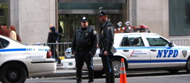 NYPD cops must turn in their 'new' Windows Phones following their recent loss of support. / from 'Wikimedia Commons' - commons.wikimedia.com