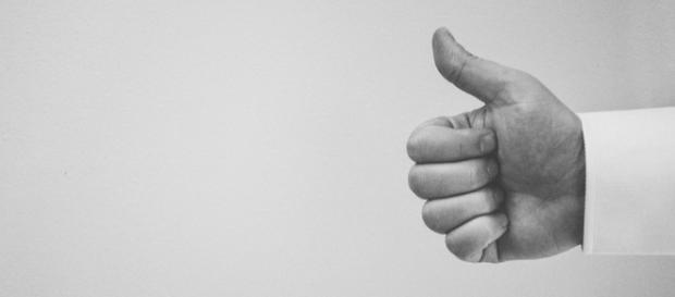 Stay positive. Thumbs up. Image via Pixabay