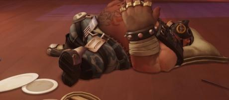 Many 'Overwatch' fans are complaining about Roadhog's viability. (image source: YouTube/ Oliver Lutro)