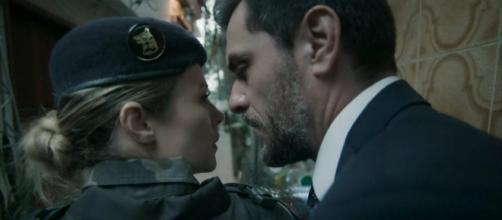 """Caio e Jeiza se beijam e pinta um clima de romance em """"A Força do Querer"""""""
