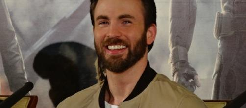 Chris Evans tweeted against one of Donald Trump's statements / Photo via Elen Nivrae, Wikimedia Commons