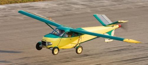 La prima vera automobile volante.