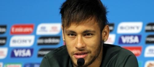 Neymar Jr a signé au PSG pour 222 millions d'euros