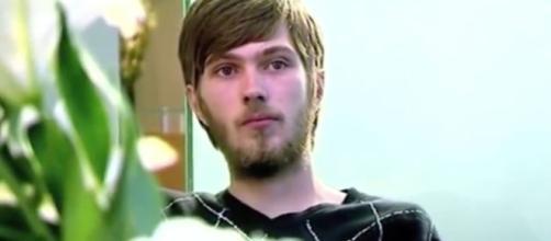 Rapaz passa 20 anos sem higiene bucal e dentição impressiona. Confira