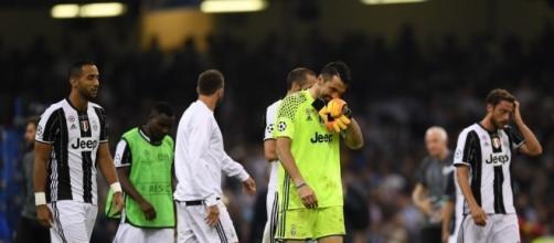 Tutta la delusione di Buffon e compagni dopo l'ennesima finale persa dai bianconeri