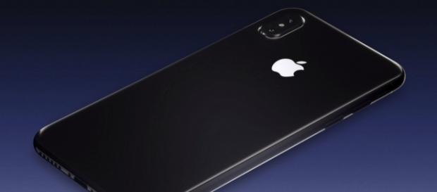 Apple Leaks iPhone 8 FINAL Design & Features! YouTube/EverythingApplePro screencap