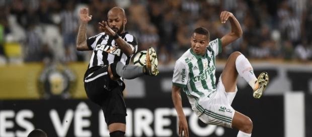 Botafogo perde mais um jogo no Brasileiro