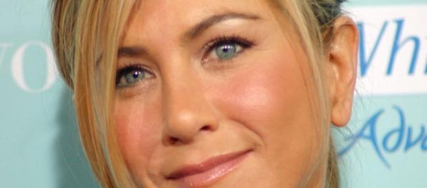 Jennifer Aniston and Brad Pitt - Wikipedia image