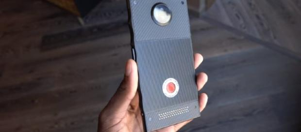 RED Hydrogen Prototype Hands-On! Image - Marques Brownlee | YouTube