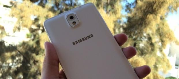 Samsung Galaxy Note 8 in Arctic Silver hue has leaked/Photo via John Karakatsanis, Flickr