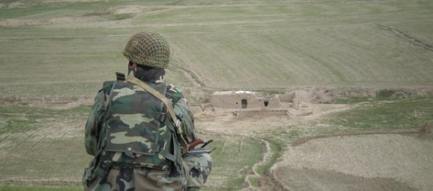 The Afghan soldier surveying the countryside.https://pixabay.com/en/afghan-soldier-military-army-857784/
