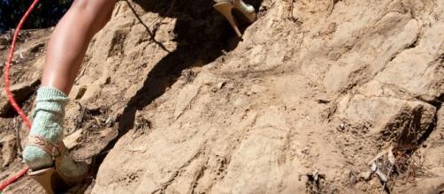Al soccorso alpinto alto atesino è arrivata la richiesta di aiuto da parte di una turista in vetta con i tacchi a spillo.