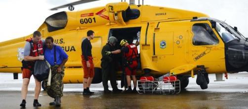 Coast Guard helps Harvey victims (Defense Department)