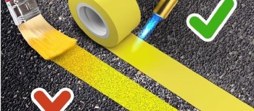 Em muitos países a marcação de rodovias é feita com uma fita 'especial'