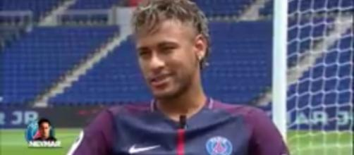 Neymar reportedly wants Coutinho to not join Barcelona Image -PSGcompsH   Youtube screenshot