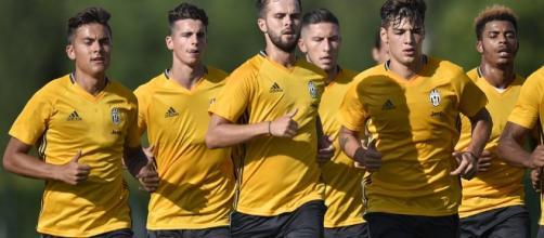 Juve, super allenamento: le facce dei giocatori sono stravolte ... - tuttosport.com