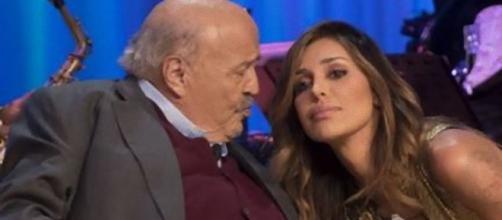Maurizio Costanzo difende Belen Rodriguez dalle critiche