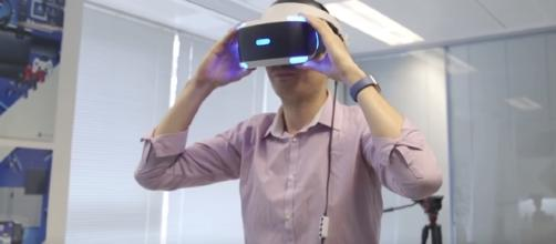 PlayStation VR Bundle - YouTube/Wochit Tech Channel