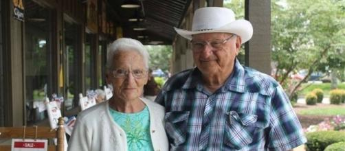 Ray and Wilmer Yoder have eaten at every Cracker Barrel in the country [Image: Femail Online/YouTube screenshot]