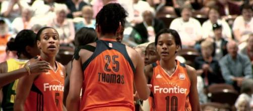 The Connecticut Sun received a pair of double-doubles to help grab a 10-point road win on Tuesday night. [Image via WNBA/YouTube]
