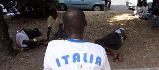 A Roma scontri fra migranti e residenti (foto d'archivio)
