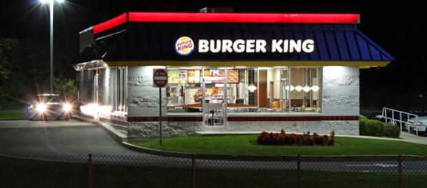 Burger King Restaurant by Anthony92931/Wikimedia Commons