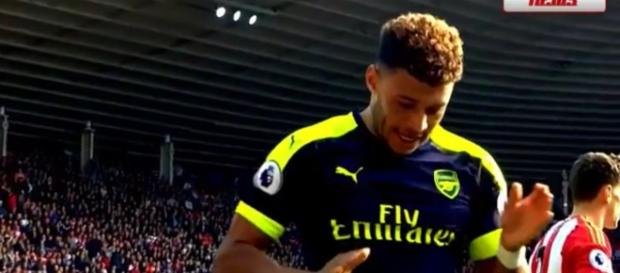 Huge blow for Chelsea as Oxlade-Chamberlain rejects $45M offer - Photo: Youtube screenshot (Transfer News)