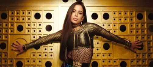Anitta tem fechado parcerias internacionais