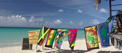 Beach, Jamaica -Image via Pixabay