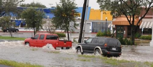 Cars in flooded Houston, Texas (Credit - Jocelyn Augustino – wikimediacommons)