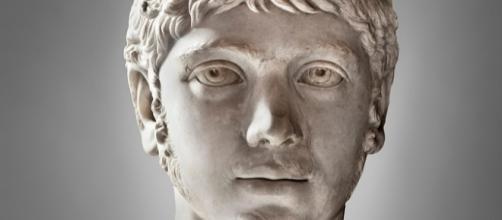 Escultura del emperador Heliogábalo