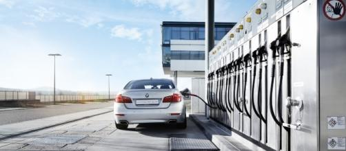 Foto: http://www.bosch-presse.de/pressportal/de/en/carbon-neutral-cars-synthetic-fuels-turn-co2-into-a-raw-material-120448.html