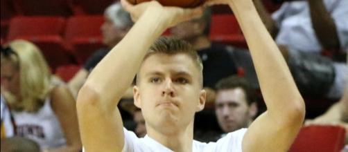 Kristaps Porzingis averaged 18.1 points, 7.2 rebounds and 2.0 blocks per game -- Ed via WikiCommons