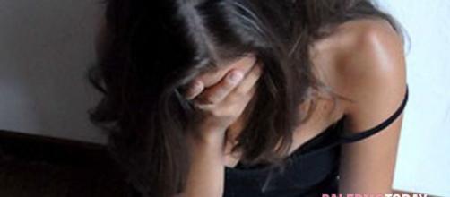 Una giovane è stata fermata alla periferia della città da un 28enne decido ad avere un rapporto sessuale