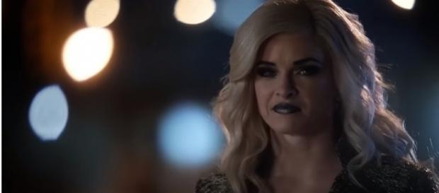 "Danielle Panabaker returns as Killer Frost in ""The Flash"" Season 4. (Photo:YouTube/Trailerz World)"