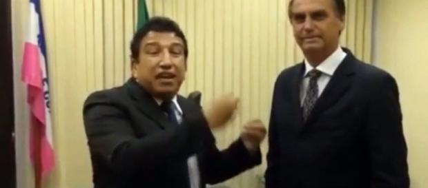 Magno Malta e Jair Bolsonaro juntos (Foto: Captura de vídeo)