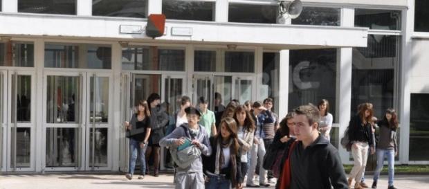 Retour aux fondamentaux pour les élèves français - bienpublic.com