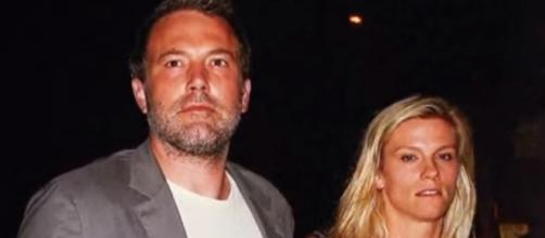 Ben Affleck photographed with Lindsay Shookus - YouTube/E! News