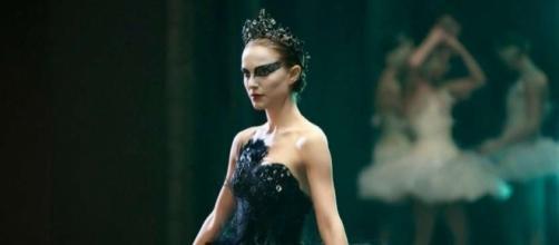 Black Swan: un mundo oscuro de la cinematografía de Darren Aronofsky LGEcine | Cisne negro (2010): Dicotomía emocional - lgecine.org