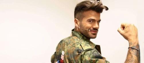 Claudio Sona, le foto del tronista gay di Uomini e Donne (Foto ... - pourfemme.it