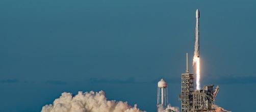 Falcon Heavy rocket may launch as early as this fall / Photo via Stuart Rankin, Flickr