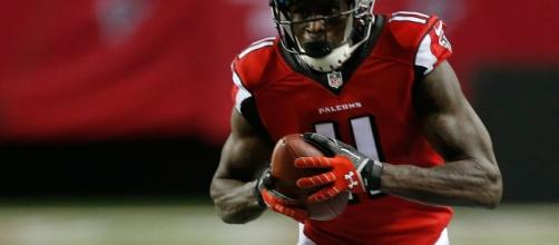 Julio Jones returns to practice for first time since foot surgery in March- Photo: YoTube