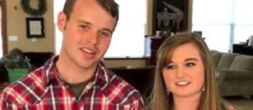 Kendra Caldwell and Joseph Duggar--Image via TheFame/YouTube