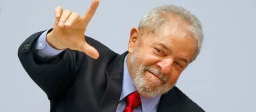 Lula dispara em nova pesquisa.