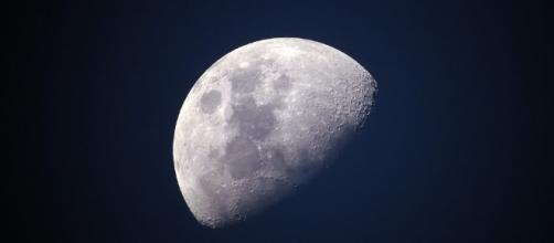 Moon - Free images on Pixabay - pixabay.com