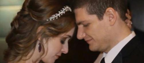 Neely and Andrew Moldovan photographed during their wedding - YouTube/102 News