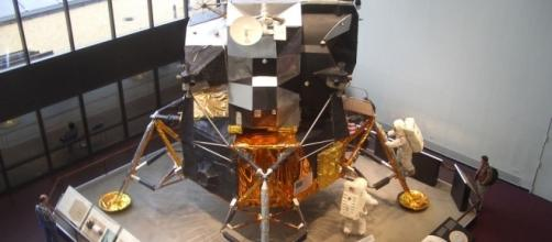 The Moon Lander Replica made in solid gold gets stolen from museum/Photo via Mark Fowler, Flickr